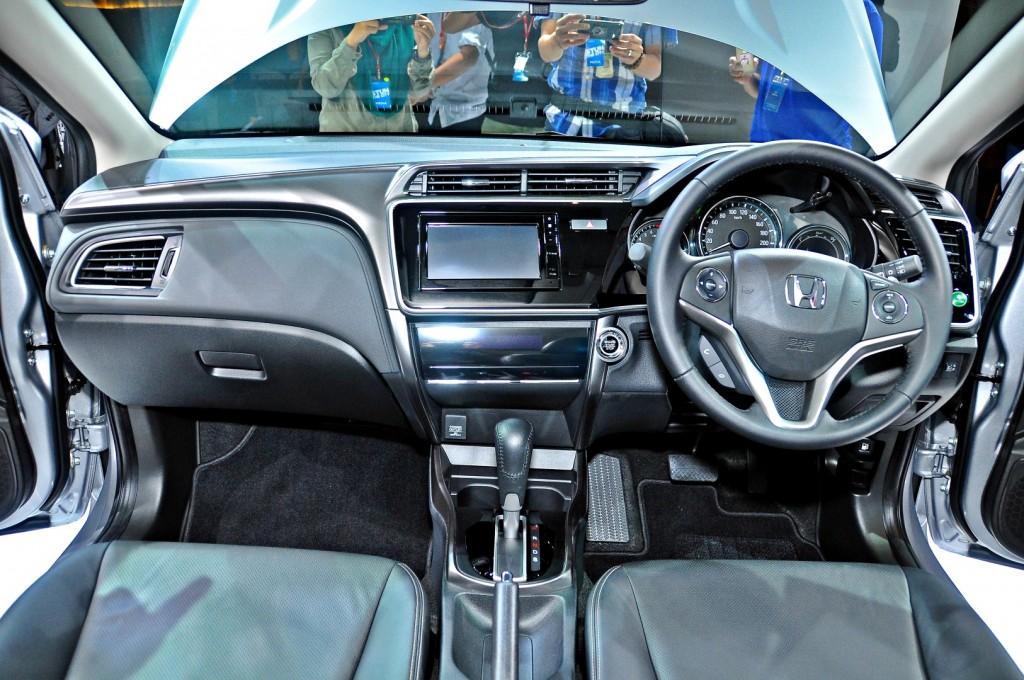 Honda-City-V-2017-32-1024x680